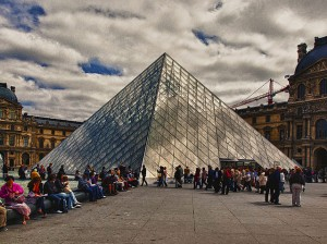 The Louvre by KevinPoh